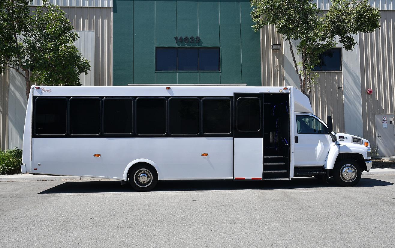 GMC 5500 28Pax Bus.4